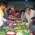 22 サヤガン教会での夕食 (1)